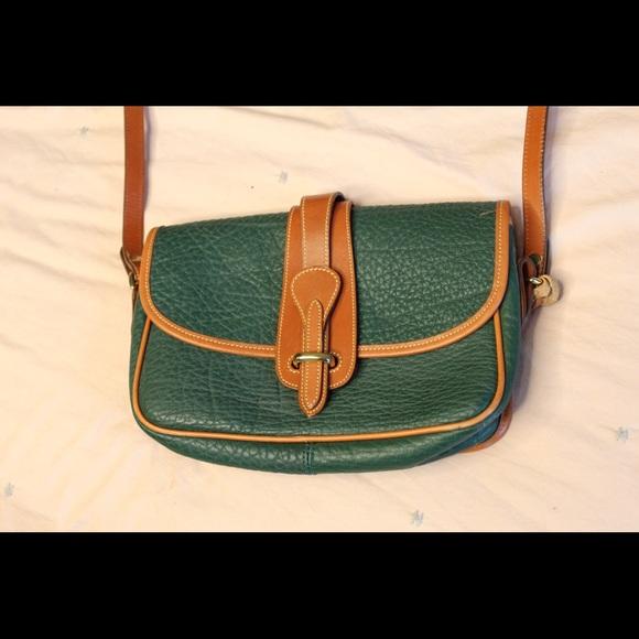 Dooney & Bourke Handbags - Authentic Dooney & Bourke Purse